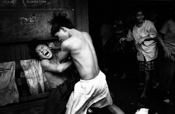 33 лучших примера черно-белых уличных фото - №8