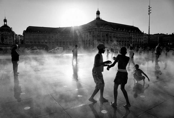 33 лучших примера черно-белых уличных фото - №11