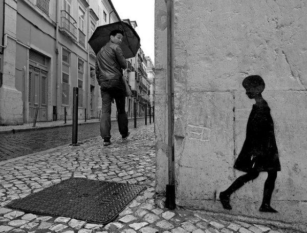 33 лучших примера черно-белых уличных фото - №16