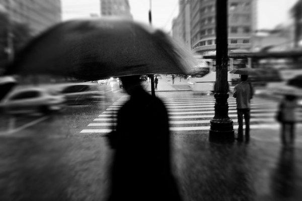 33 лучших примера черно-белых уличных фото - №21