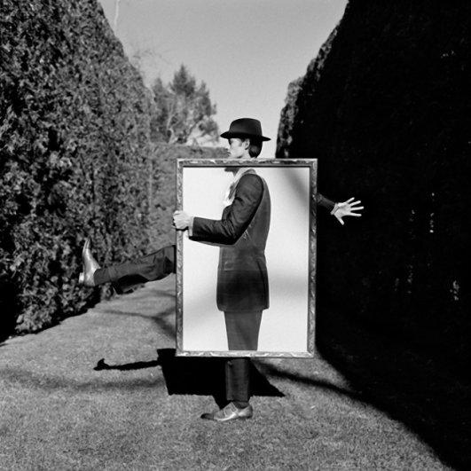 Изящная фото композиция, сюрреализм в черно-белой фотографии - №9
