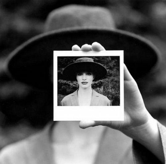 Изящная фото композиция, сюрреализм в черно-белой фотографии - №17