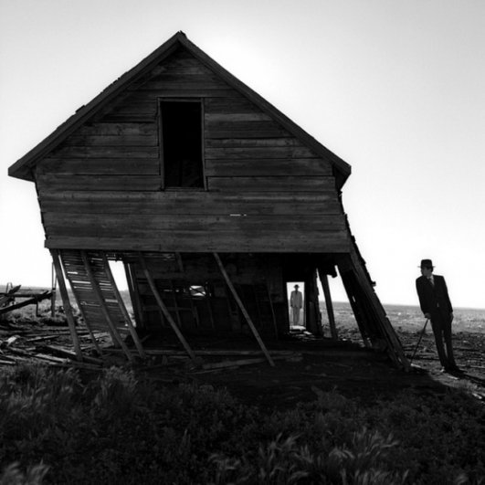 Изящная фото композиция, сюрреализм в черно-белой фотографии - №18