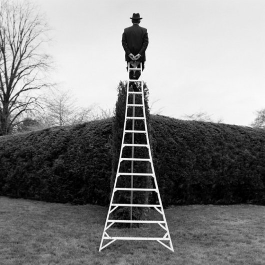 Изящная фото композиция, сюрреализм в черно-белой фотографии - №20