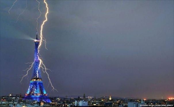Фотографии молний (Betrand Kulik/Caters News Agency)