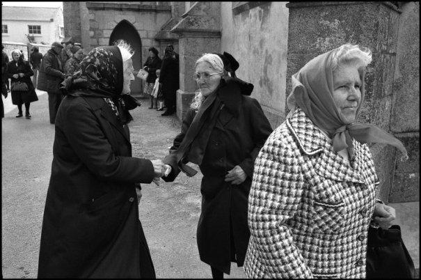 this day in history - Один яркий день из жизни острова Уэссан by Guy Le Querrec - №6