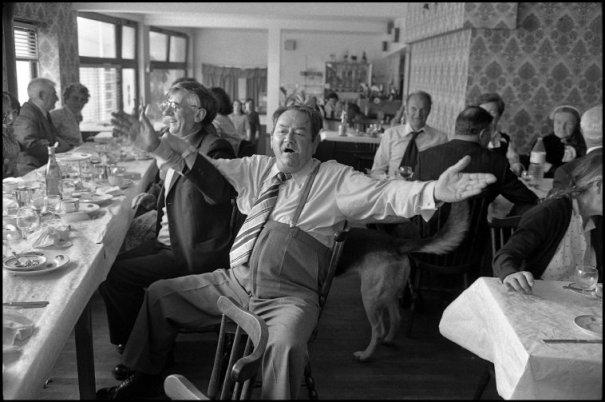 this day in history - Один яркий день из жизни острова Уэссан by Guy Le Querrec - №38