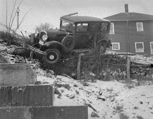 Фотографии самых первых авто аварий - №7