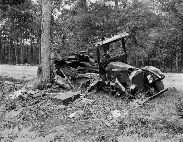 Фотографии самых первых авто аварий - №10