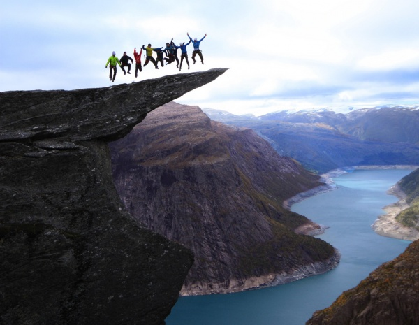 Захватывающий вид живописных больших скал - №3
