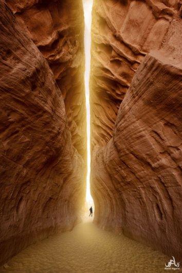 Захватывающий вид живописных больших скал - №4