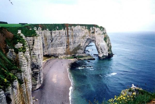 Захватывающий вид живописных больших скал - №13