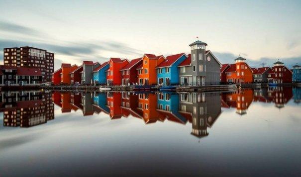 Естественная симметрия - лучшие зеркальные отображения города в воде - №3