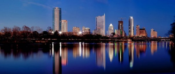 Естественная симметрия - лучшие зеркальные отображения города в воде - №8