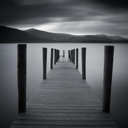 Темная вода, озеро Дистрикт, Великобритания (ISO100, f/16, 67 с)