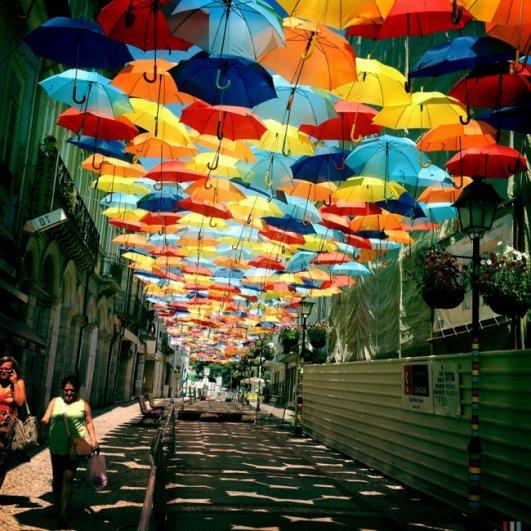 Зонтики как искусство - необычные фото картины - №1