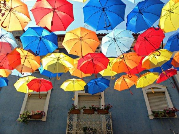 Зонтики как искусство - необычные фото картины - №2