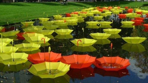 Зонтики как искусство - необычные фото картины - №9