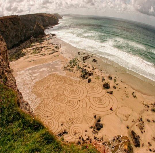 Фотографии рисунков на песке - №1