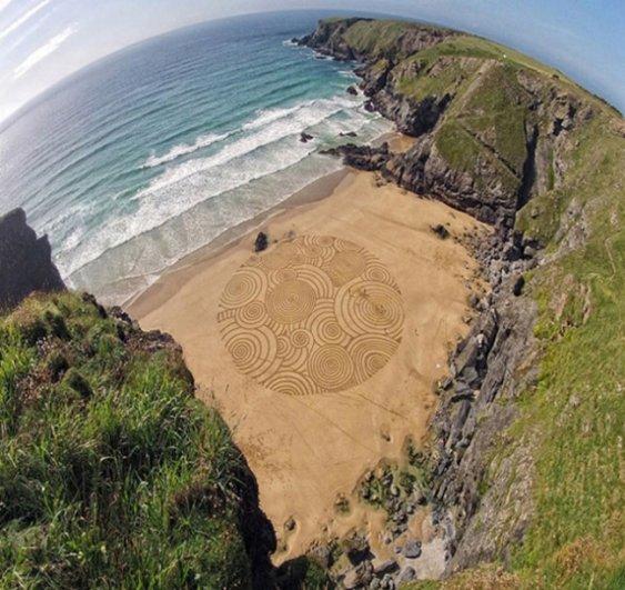 Фотографии рисунков на песке - №2