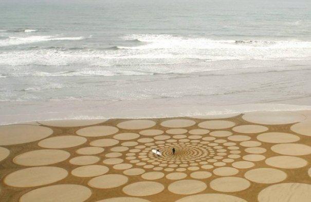 Фотографии рисунков на песке - №4
