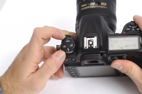 новый зеркальный фотоаппарат