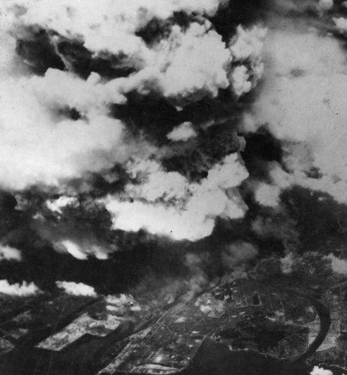 Новости в фотографиях - страшные кадры в память о Хиросиме - №7