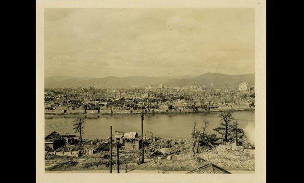 Новости в фотографиях - страшные кадры в память о Хиросиме - №9
