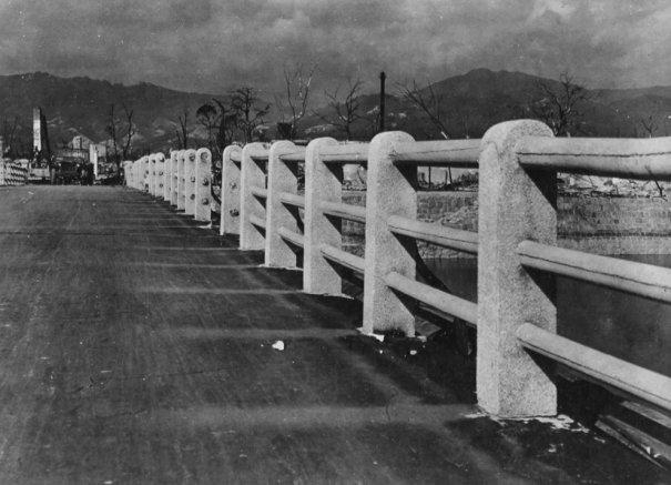 Новости в фотографиях - страшные кадры в память о Хиросиме - №12