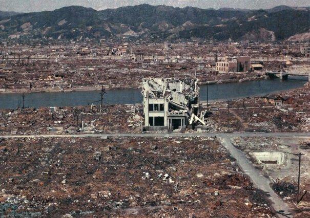 Новости в фотографиях - страшные кадры в память о Хиросиме - №13