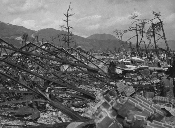 Новости в фотографиях - страшные кадры в память о Хиросиме - №14