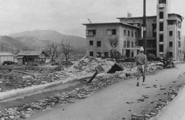 Новости в фотографиях - страшные кадры в память о Хиросиме - №15