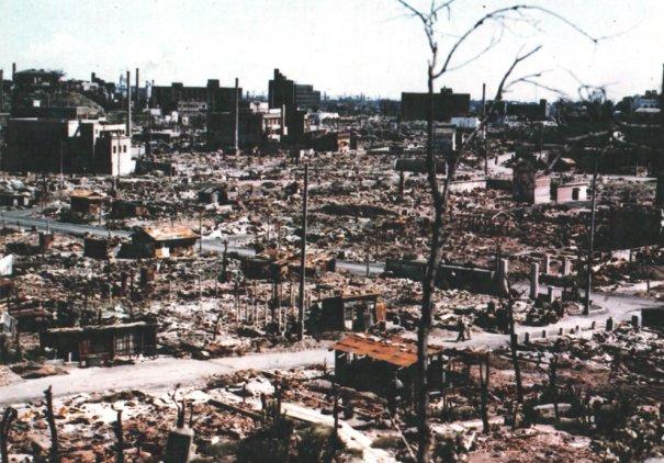 Новости в фотографиях - страшные кадры в память о Хиросиме - №21
