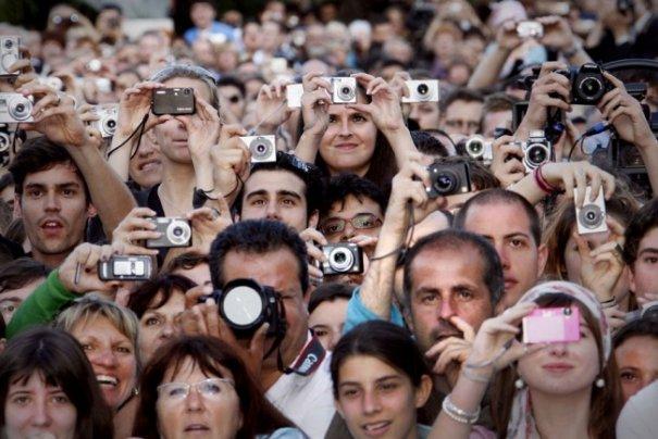 Как много стало фото журналистов... - №1