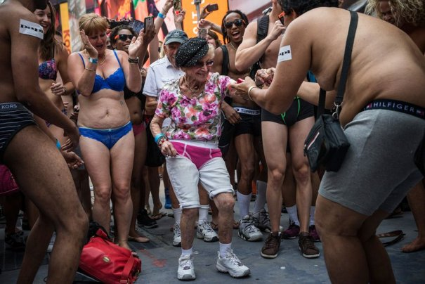 Новости в фотографиях - самые смелые попытки установить новый рекорд Гиннеса в 2013 году - №1