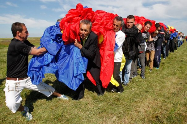 Новости в фотографиях - самые смелые попытки установить новый рекорд Гиннеса в 2013 году - №6