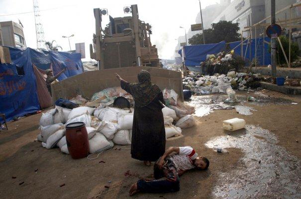 Новости в фотографиях - в Египте введено чрезвычайное положение - №4