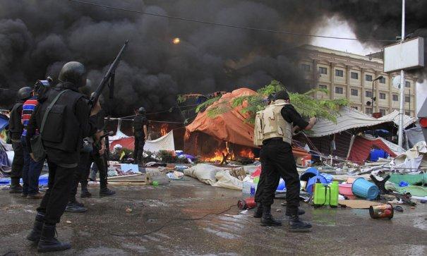Новости в фотографиях - в Египте введено чрезвычайное положение - №5