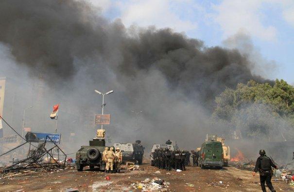 Новости в фотографиях - в Египте введено чрезвычайное положение - №9