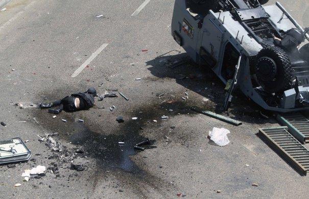 Новости в фотографиях - в Египте введено чрезвычайное положение - №11