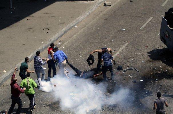 Новости в фотографиях - в Египте введено чрезвычайное положение - №12
