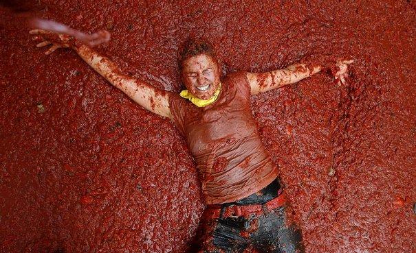 Новости в фотографиях - Самые яркие кадры фестиваля Томатина - №1