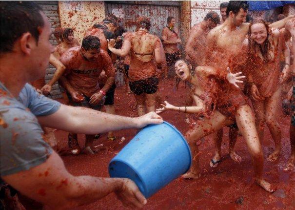 Новости в фотографиях - Самые яркие кадры фестиваля Томатина - №4
