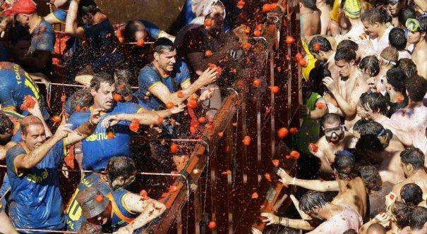 Новости в фотографиях - Самые яркие кадры фестиваля Томатина - №7