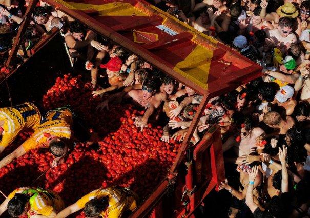 Новости в фотографиях - Самые яркие кадры фестиваля Томатина - №8