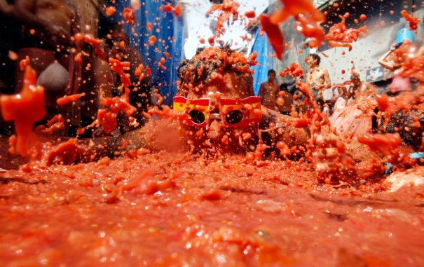 Новости в фотографиях - Самые яркие кадры фестиваля Томатина - №10