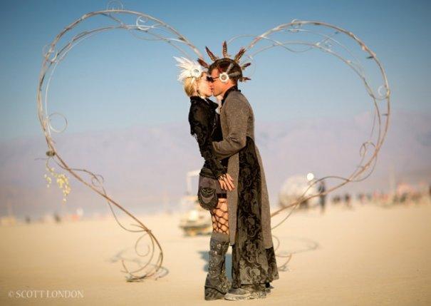 Волны креатива в красивых фото с фестиваля Burning Man - №2