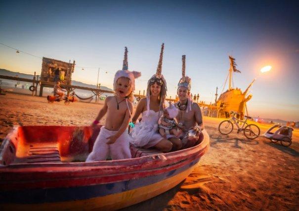 Волны креатива в красивых фото с фестиваля Burning Man - №5