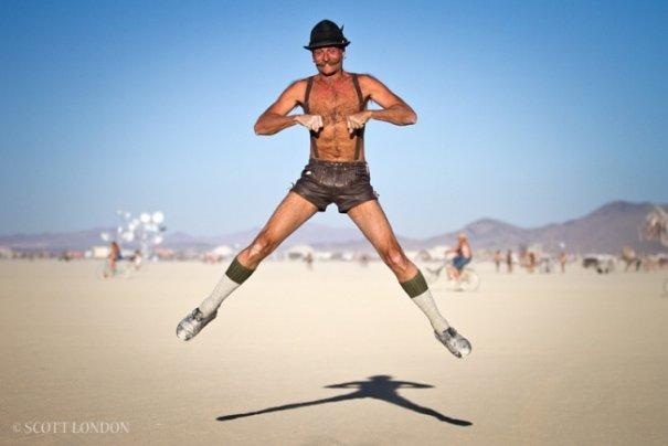 Волны креатива в красивых фото с фестиваля Burning Man - №8
