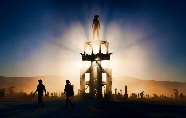 Волны креатива в красивых фото с фестиваля Burning Man - №20